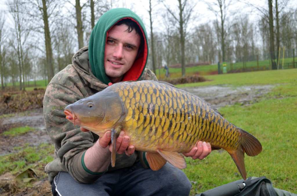 Sam Willis with a stunning low double fully scaled mirror.
