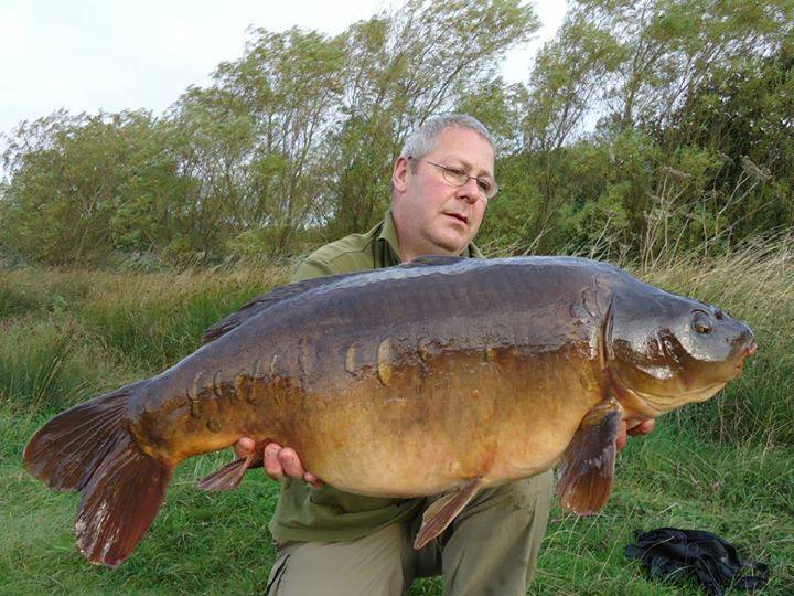 Simon Cooper sent in this picture of a beautiful mirror. Well done Simon - Glad you are happy with your Fox SupaBrolly Over wrap!**22nd September 2013**
